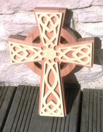 croix celtique petit format hetre